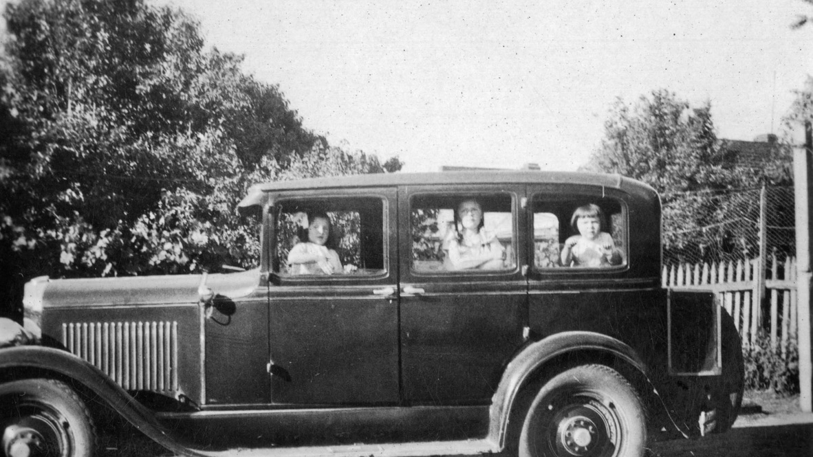William Montgomery's Dodge — the first sedan ind the district.